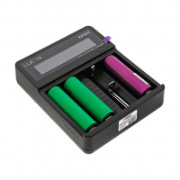EFEST LUC V4 LCD AND USB 4 SLOTS CHARGER